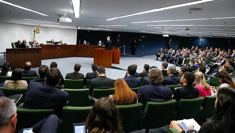Sustentação oral de advogado de Lula não estava prevista regimentalmente e foi notada com indício de mudança de postura do Supremo