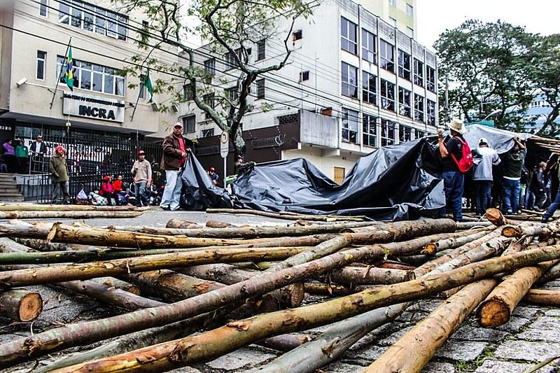 José Damaceno, da coordenação estadual do MST do Paraná, confirma participação do Movimento nos atos 'Fora, Temer' marcados para terça e quarta-feira, 6 de 7 de setembro, em Curitiba