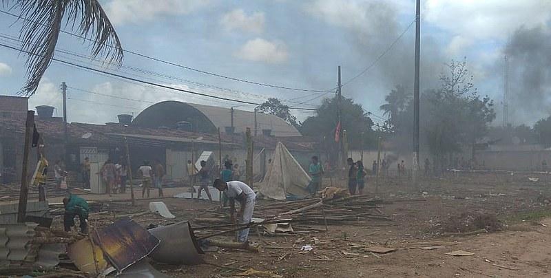 Acampamento foi montado no Colinas do Sul na periferia de João Pessoa, depois da violência, dos barracos não sobraram nada.