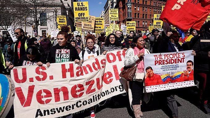 Nos EUA, manifestações em solidariedade à Venezuela foram realizadas em Nova York e outras quatro cidades