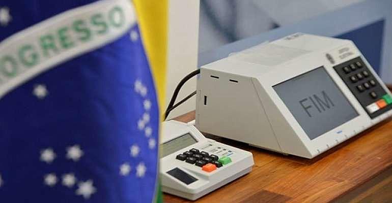 O Brasil atravessa um momento decisivo de sua história, ou avança na democracia ou então prevalecerão métodos defendidos por Bolsonaro