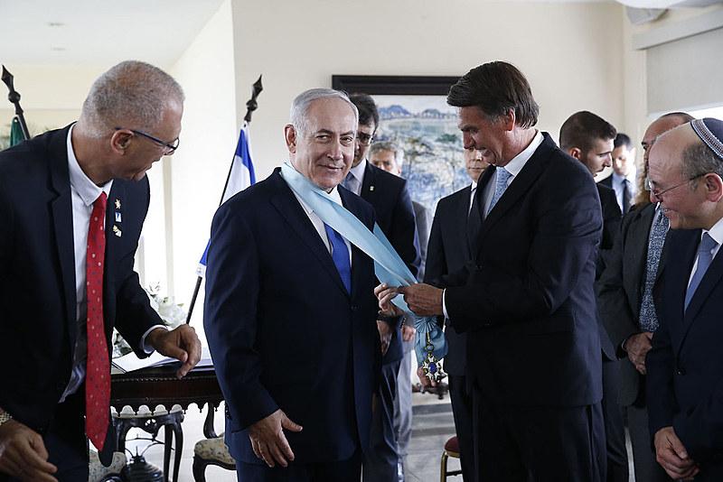 Bolsonaro se encontra com primeiro-ministro de Israel, Benjamin Netanyahu, em Copacabana, em dezembro de 2018