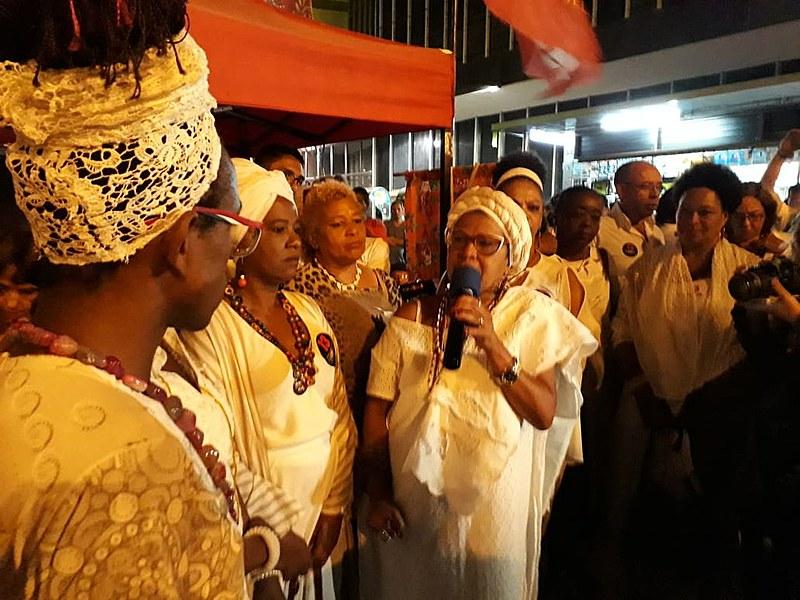 """""""Esse país precisa aprender a viver a sua diversidade"""", defendeu Makota Celinha"""