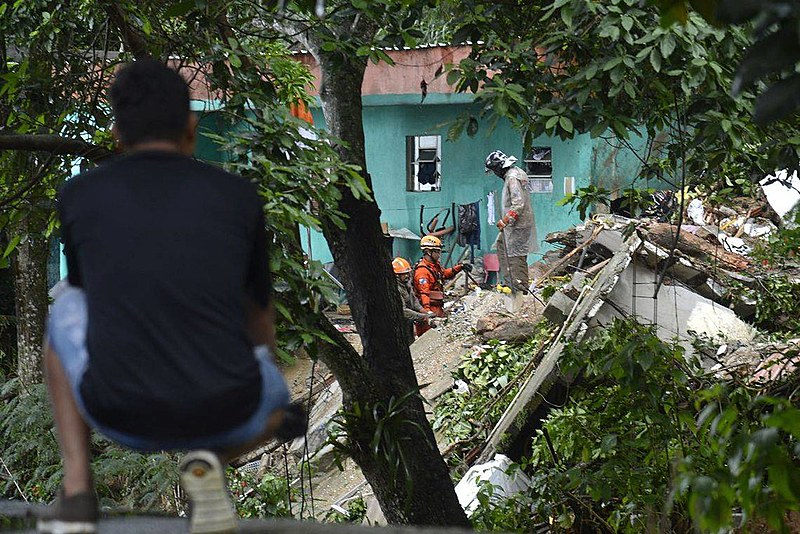 O temporal deixou 10 pessoas mortas, mais de 780 pontos do município ficaram sem energia e diversos bairros completamente alagados