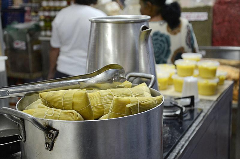 As comidas típicas feitas a partir do milho são uma das partes mais importantes da festa