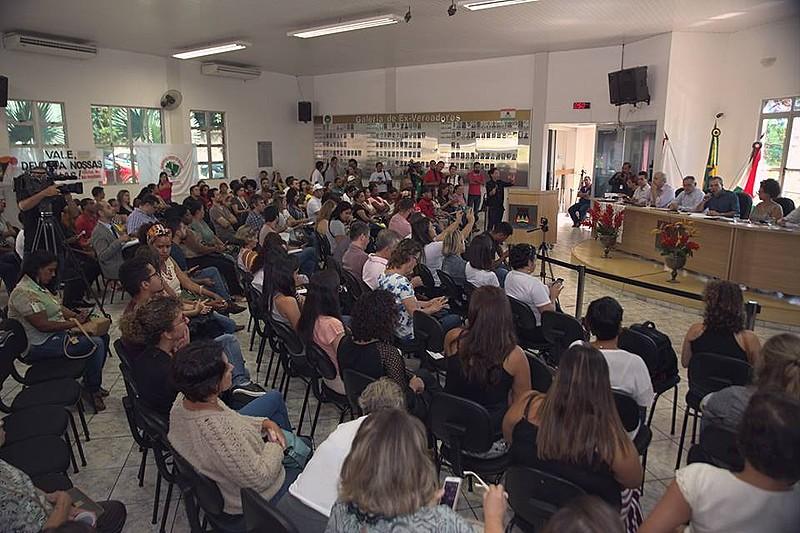 Mais de 100 pessoas participaram da audiência na Câmara Municipal