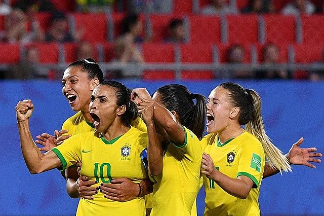 Seleção Brasileira de Futebol está em JP e se prepara para 2 amistosos contra a Argentina.