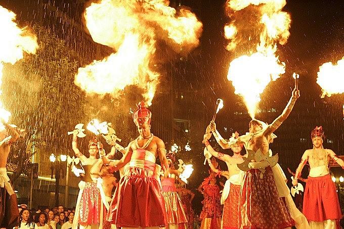 A abertura do carnaval, no dia 24 de Fevereiro, sexta-feira, fica com o tradicional bloco Ilú Obá De Min