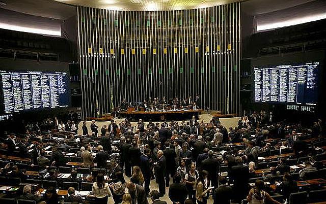 La Cámara de Diputados de Brasil aprobó ayer un proyecto de reforma laboral