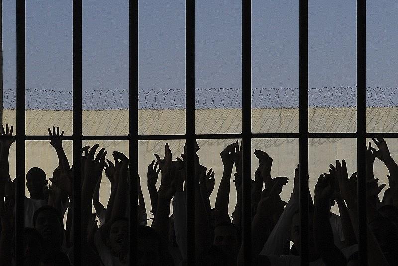 Prisão deveria se destinar apenas às condutas, de fato, violentas, como os crimes contra a vida