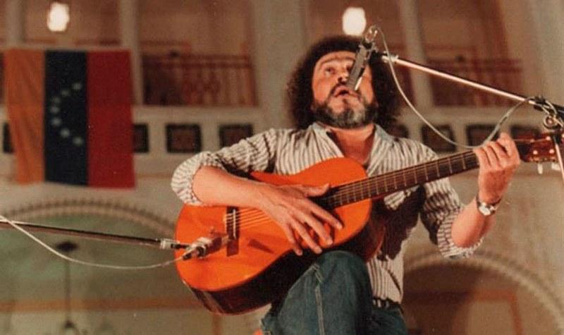 Ali Primera (1941-1985) foi um militante comunista e um dos principais cantores da música tradicional venezuelana