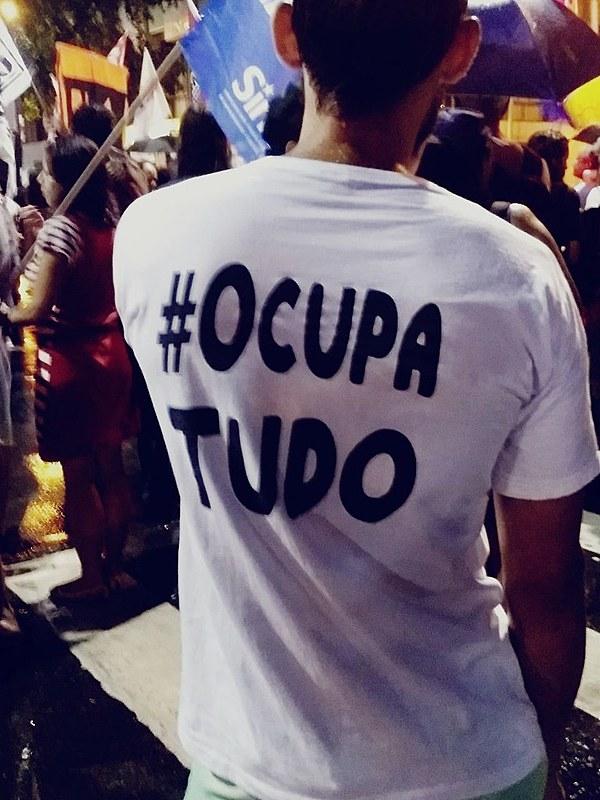 Mesmo debaixo de chuva a população carioca foi às ruas dizer não à Reforma da Previdência e a intervenção militar