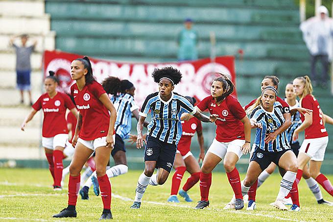 Dupla GreNal tem os times femininos melhores estruturados no RS