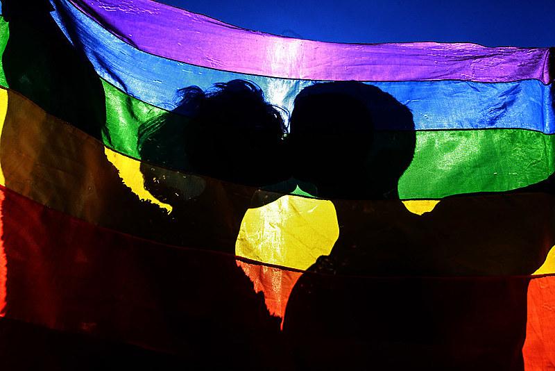 Celebrando os 50 anos da Rebelião de Stonewall, a Parada LGBTI+ em São Paulo teve tom político reforçado, em 2019, por eleição de Bolsonaro