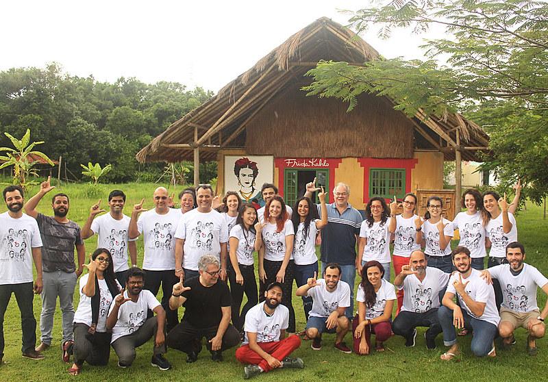 Equipe do Instituto Tricontinental de Pesquisa Social reunida na Escola Nacional Florestan Fernandes (ENFF)