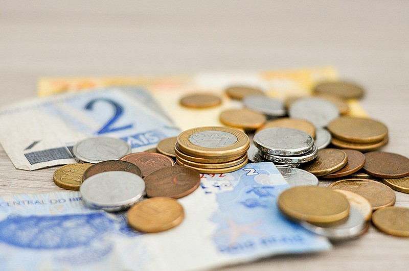 O salário mínimo atual é de R$ 998