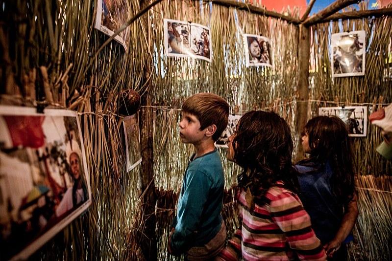 Túnel reúne imagens de fotógrafos, repórteres fotográficos, comunicadores sobre vários movimentos de luta.