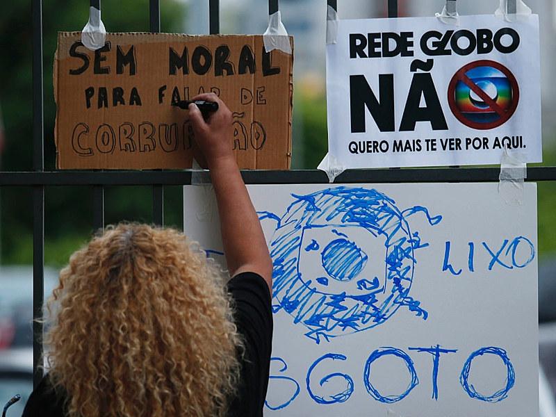 """Em 2013, a Rede Globo reconheceu o """"erro"""" em apoiar o golpe de estado em 1964"""