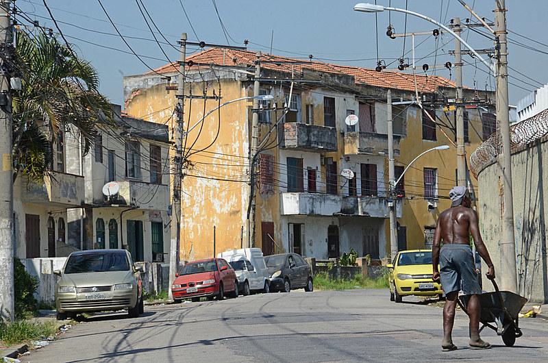 Famílias lutam contra despejo em Olaria, zona norte do Rio