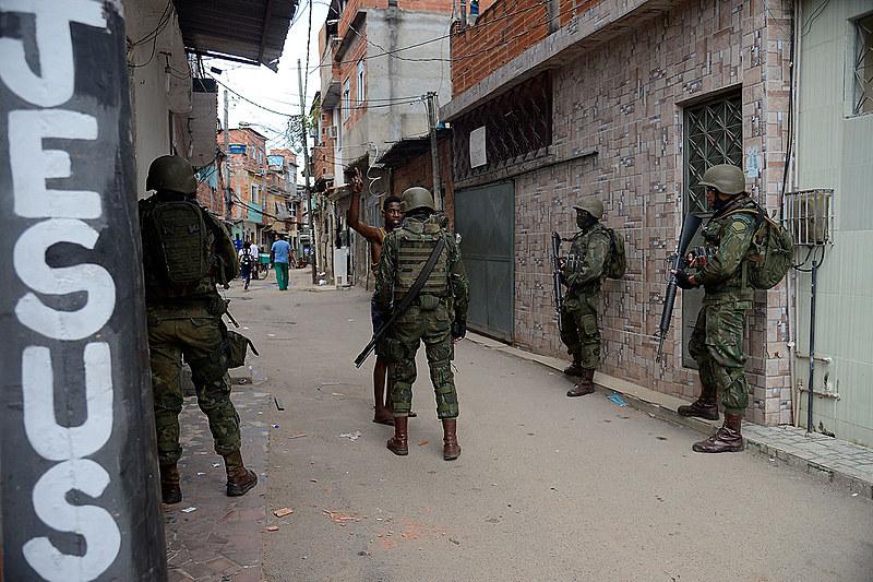 STF estabeleceu a obrigação de a polícia, responsável por executar a ação, explicar a finalidade da operação ao MP-RJ