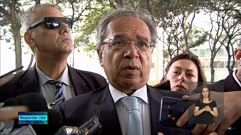 """Ministro de Bolsonaro centralizará análise de novos pedidos e só irá abrir novas vagas em """"casos excepcionais"""""""