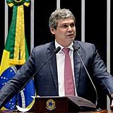 Lindbergh Farias é senador pelo estado do Rio de Janeiro