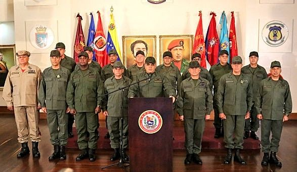 As Forças Armadas se pronunciaram em defesa da Constituição e rechaçam tentativa da oposição tomar o poder pela via da violência