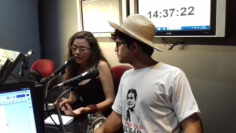 Na conversa, Vani e Dennis falaram sobre as principais pautas do MPA e sobre a Escola Nacional Camponesa da Memória, realizada em Olinda -PE