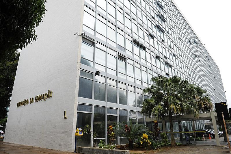 Fachada do Ministério da Educação (MEC), na Esplanada dos Ministérios, em Brasília (DF)