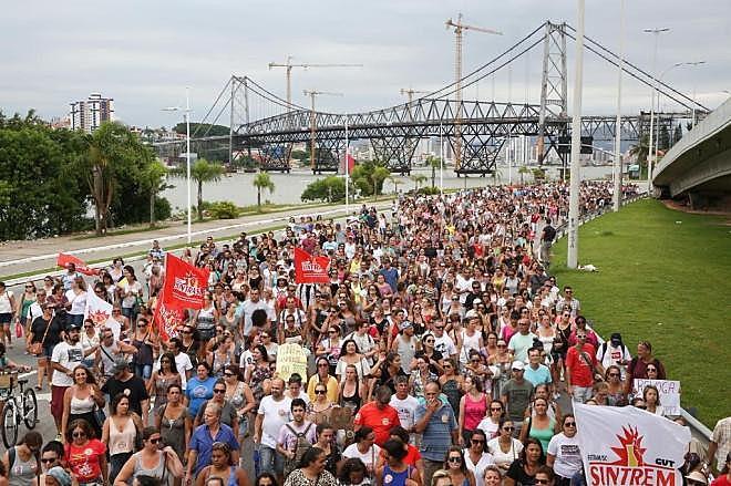 Protestos são frequentes nas ruas da capital catarinense