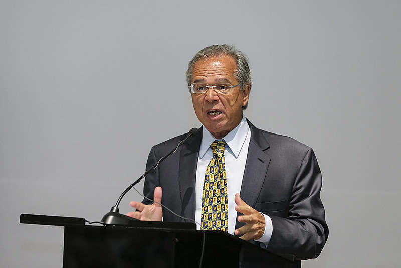 O ministro da Economia propõe uma reforma ultraliberal que aumentará o tempo de contribuição do trabalhador brasileiro