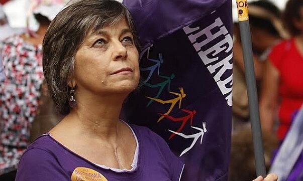 Feminista brasileña, Nalu Farias analisa la situación política del país suramericano