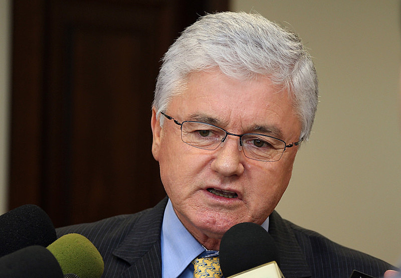 Valdir Rossoni (PSDB), atual chefe da Casa Civil do Governo Beto Richa, foi condenado a pagamento de multa e indenização