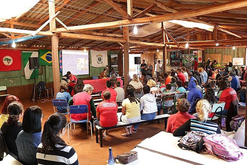 Os participantes do encontro debateram formas de frear o uso de veneno na região