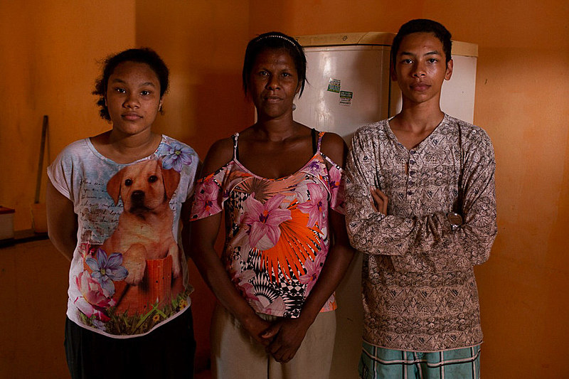 Romilda Evangelista, mãe solo de 44 anos, vive em Ipatinga (MG) com dois filhos adolescentes