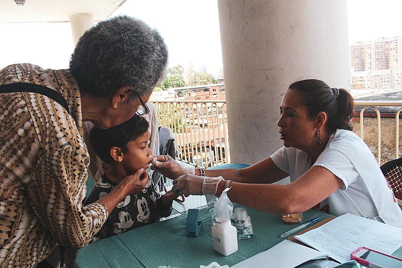 Jornada de Saúde Comunitária da Cruz Vernelha na comunidade Santa Rosa, em Caracas. Organização mantém 2,5 mil colaboradores venezuelanos