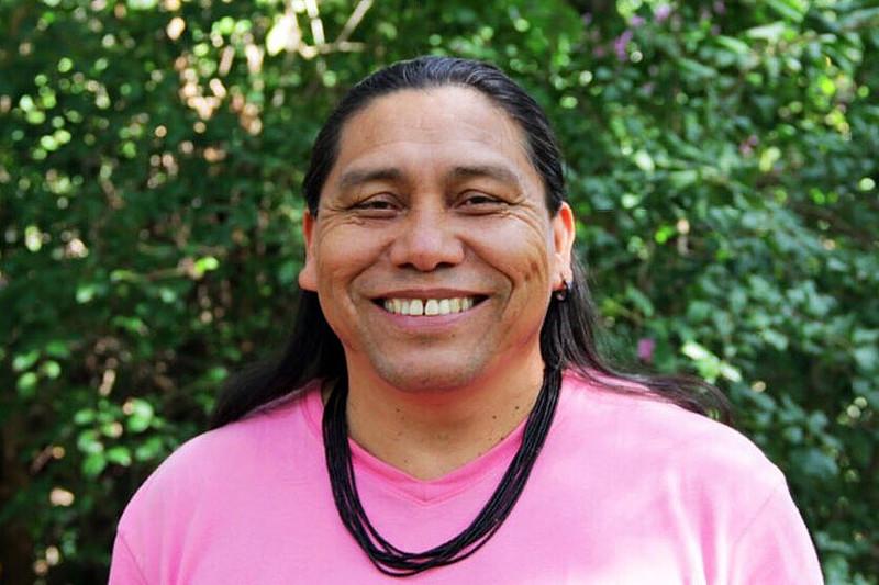 Escritor infanto-juvenil Daniel Munduruku vencedor do prêmio Jabui em 2017 e diretor do UKA