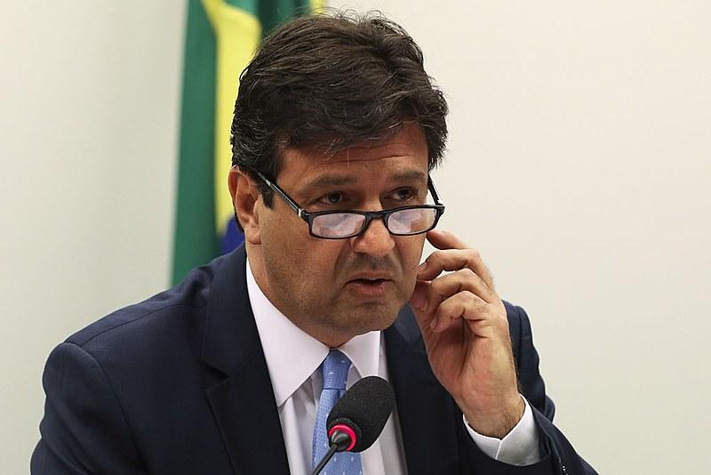 """Ministro da Saúde, Luiz Henrique Mandetta, entende que nova proposta gerará uma """"boa competição"""" entre prefeituras"""