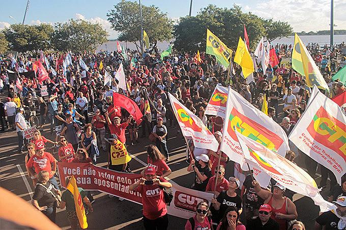 Manifestações do Dia do Trabalhador chamaram greve geral para o dia 14 de Junho