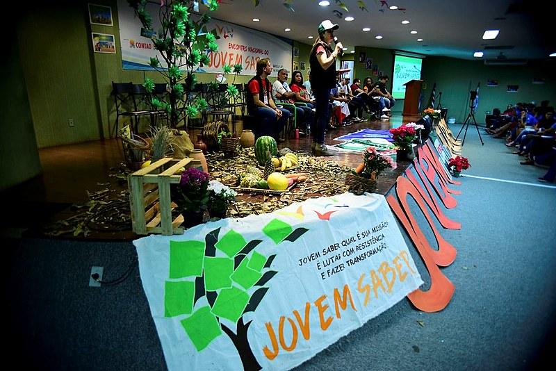 Programa Jovem Saber, que tem o objetivo de organizar, mobilizar e politizar a juventude do campo, da floresta e das águas.