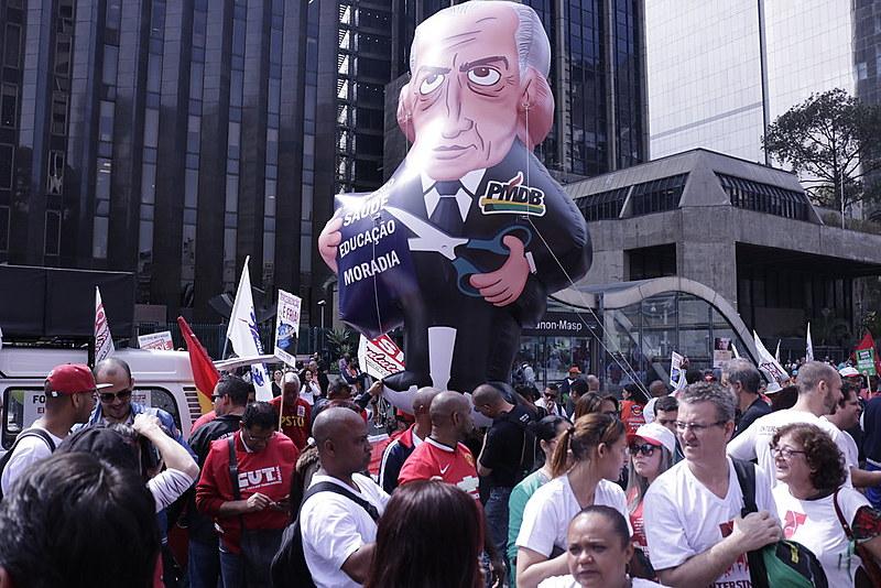 Ato reuniu 6 mil na Avenida Paulista nesta terça-feira (16)