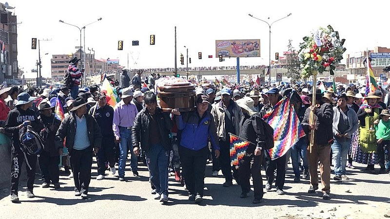 Bolivians march with the coffins of those assassinated by security forces to denounce the massacres