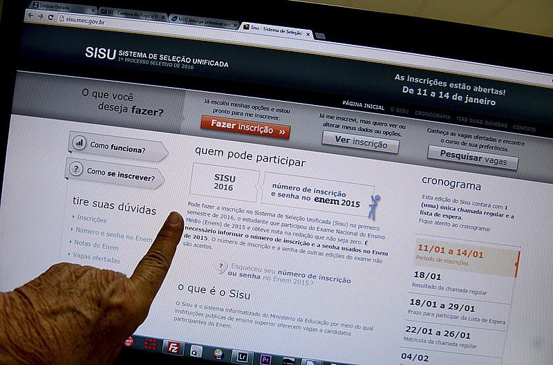 Por meio do Sisu, são ofertadas 237 mil vagas em 128 instituições de ensino superior públicas