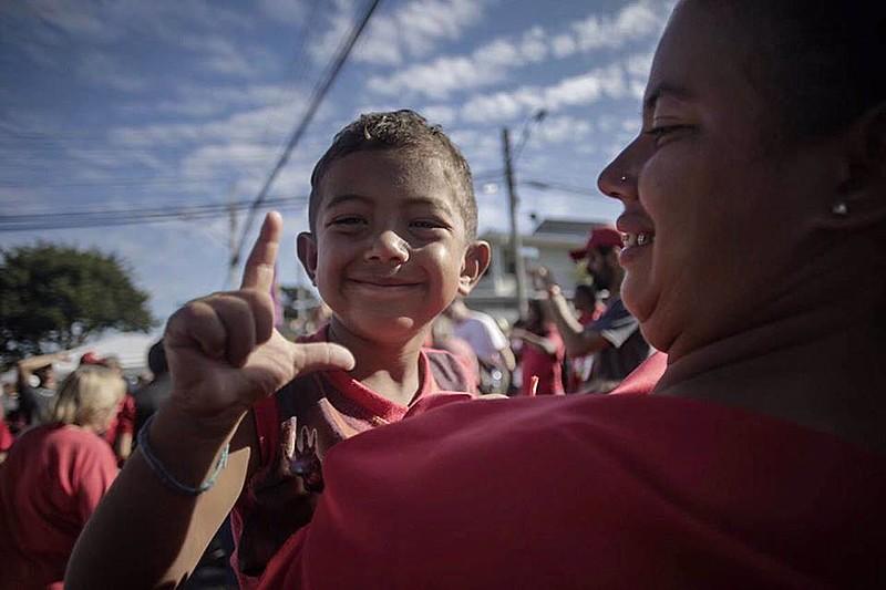 Ao longo dos 30 dias, as pessoas acampadas receberam certxa de 25 toneladas de alimentos doados