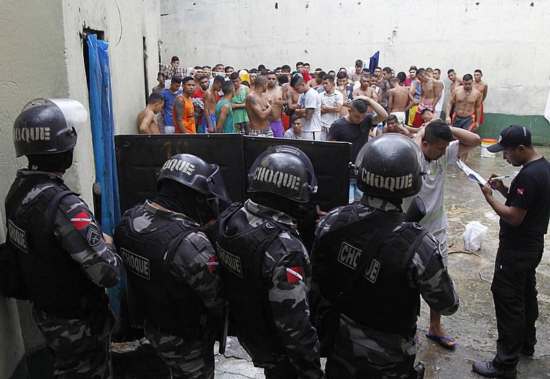 Espaços de privação de liberdade, como as penitenciárias, são acompanhados por peritos que atuam em âmbito nacional e estadual