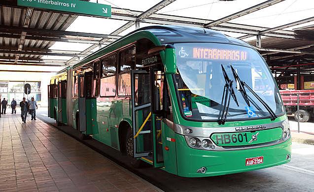 Nove linhas de ônibus não funcionaram hoje pela manhã em Curitiba