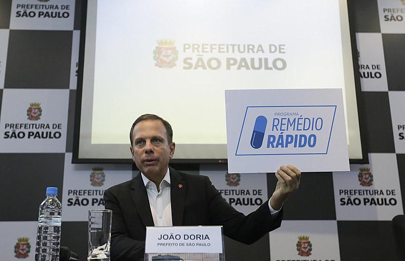 Prefeito João Doria em coletiva de imprensa, em abril