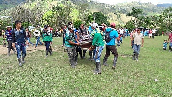 O assassinato e a perseguição de líderes sociais na Colômbia continuam apesar do acordo de paz
