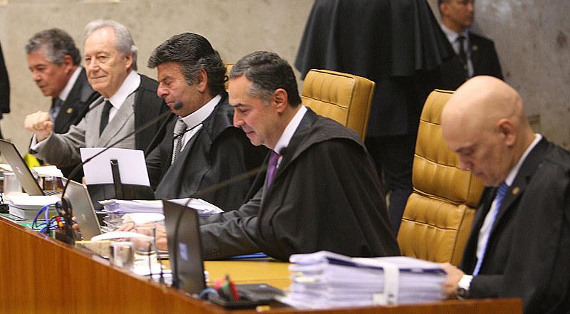 Ministros durante sessão plenária do Supremo Tribunal Federal