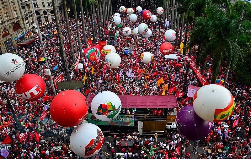 Em São Paulo (SP), Praça da Sé será palco de ato político a partir das 17h desta terça (20)